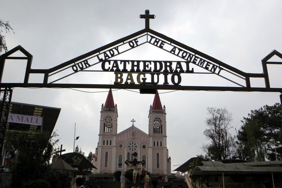Our Lady of Atonement Cathedral: Entrada a la Catedral