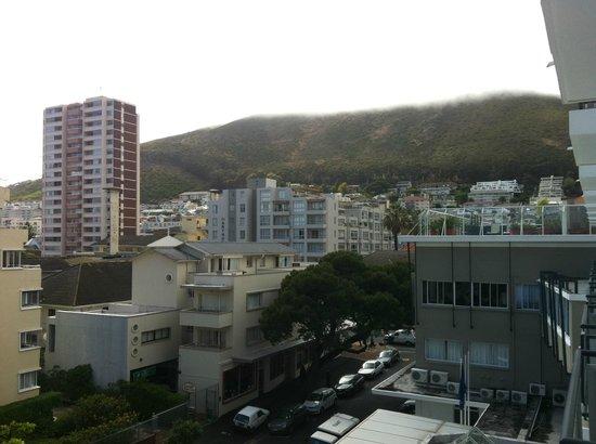 Protea Hotel Cape Town Sea Point: Vista da área da piscina