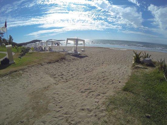 Pueblo Bonito Emerald Bay Resort & Spa: Beach