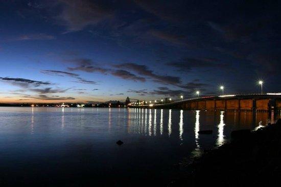 North Coast Holiday Parks Forster Beach : Stunning views of Wallis Lake at dusk.
