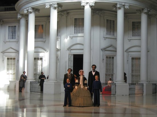 Abraham Lincoln Presidential Library and Museum : The Lincoln family, Lincoln Museum, Springfield, IL