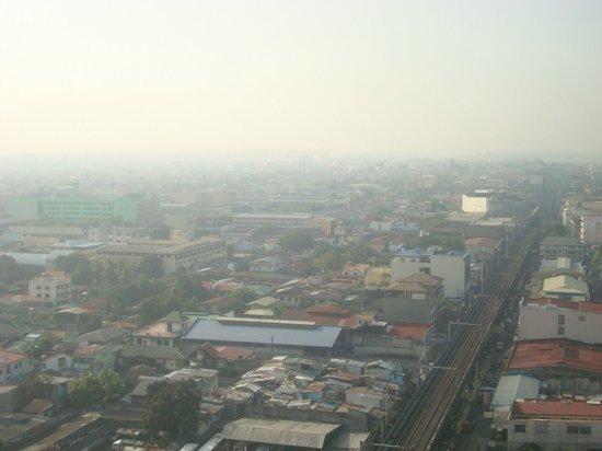 Atrium Hotel Manila: nearest location: Bus Terminals and LRT Station