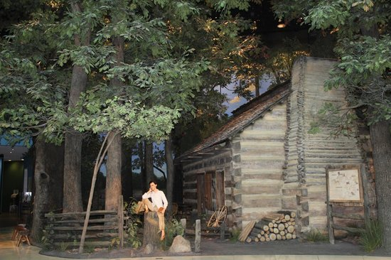Biblioteca y Museo Presidencial de Abraham Lincoln: Lincoln's log cabin, Lincoln Museum, Springfield, IL