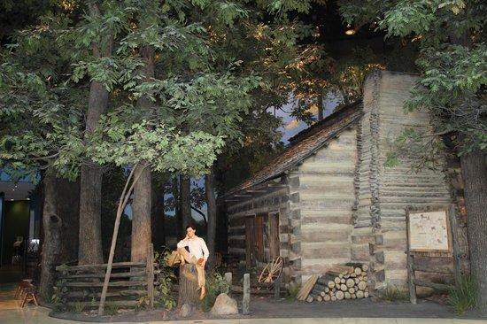 lincoln s log cabin lincoln museum springfield il picture of