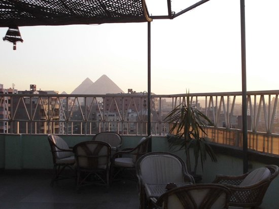 Gawharet Al Ahram Hotel: 最上階にあるレストランPANORAMA(屋外)からの眺め