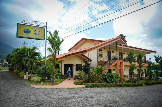 Hotel Vista del Cerro: Front of hotel
