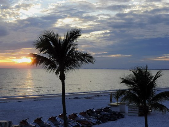 Sandpiper Gulf Resort: Beautiful Sunsets