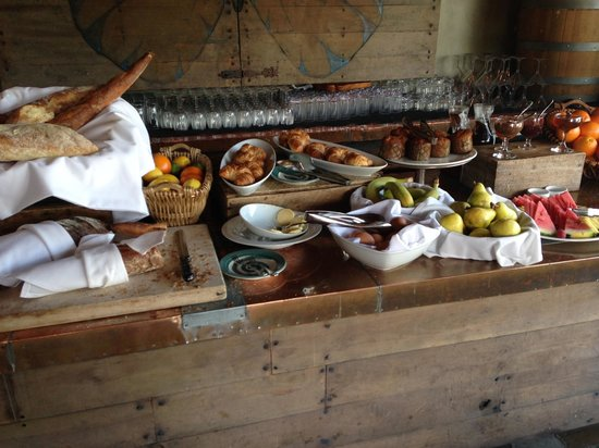 Petit Ermitage: Breakfast is Great