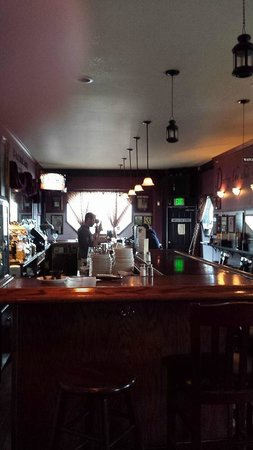 Annabel Lee Tavern: The Bar