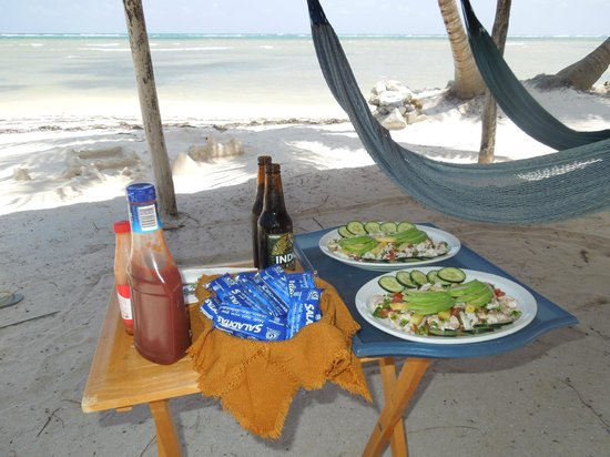 Balamku Inn on the Beach : Theresa's ceviche on the beach! :-)