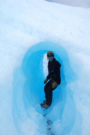 Bigfoot Adventure Patagonia: In one of the beautiful ice tunnels.