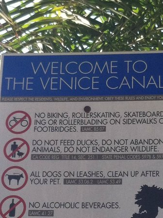 Venice Canals Walkway: Entrance sign.