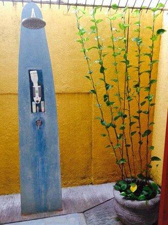 All Seasons Legian Bali: outdoor shower