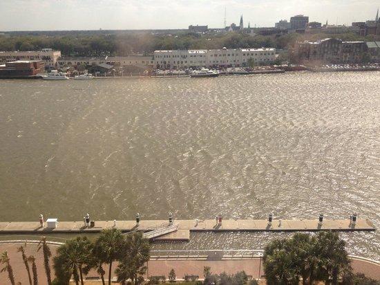 Westin Savannah Harbor Golf Resort & Spa : Riverfront room 1031 view