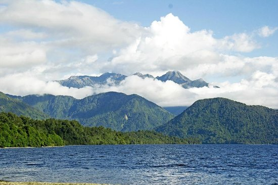 Lake Kaniere Scenic Reserve: Views from lakeside