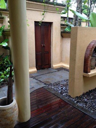 Komaneka at Tanggayuda : Exterior Front Door