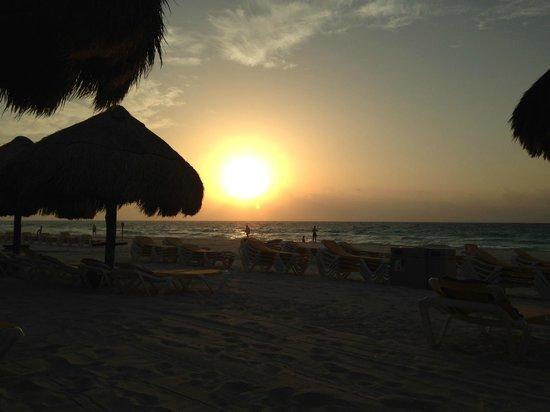 Iberostar Tucan Hotel : Sunrise