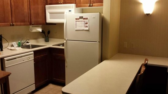 Staybridge Suites McLean-Tysons Corner: Kitchen