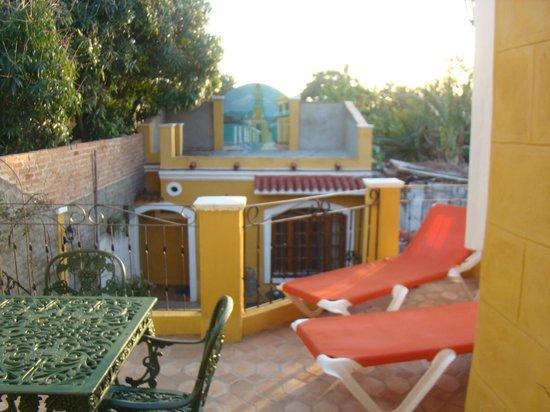 Hostal Las Margaritas: Varanda