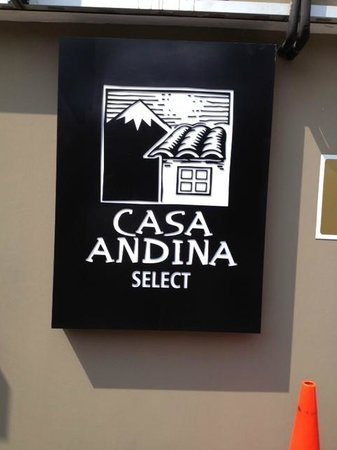 Casa Andina Select Miraflores: Placa do Hotel
