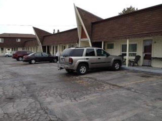 Twin Peaks Motel, Napanee