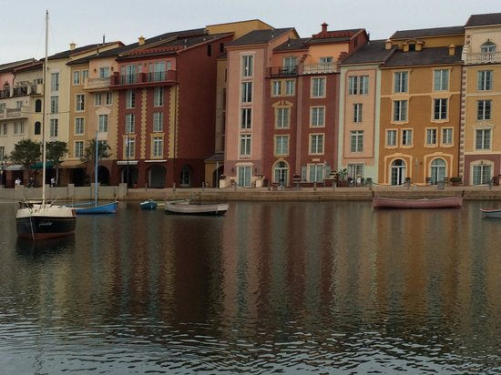 Loews Portofino Bay Hotel at Universal Orlando: View of hotel