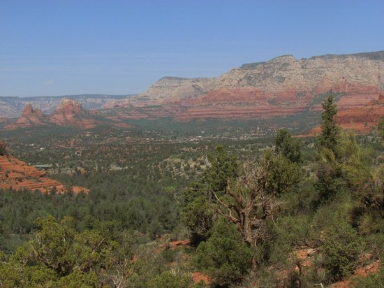 Pink Jeep Tours Sedona: View of Uptown Sedona from Broken Arrow