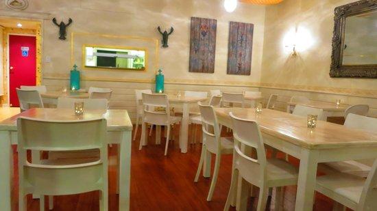 Ziezo Restaurant: Unique decor