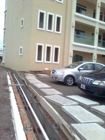 Punta Pacífico: estacionamiento