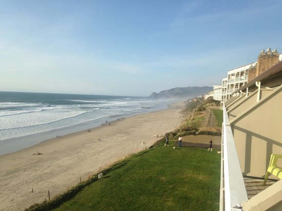 The Coho Oceanfront Lodge: View is unbeatable