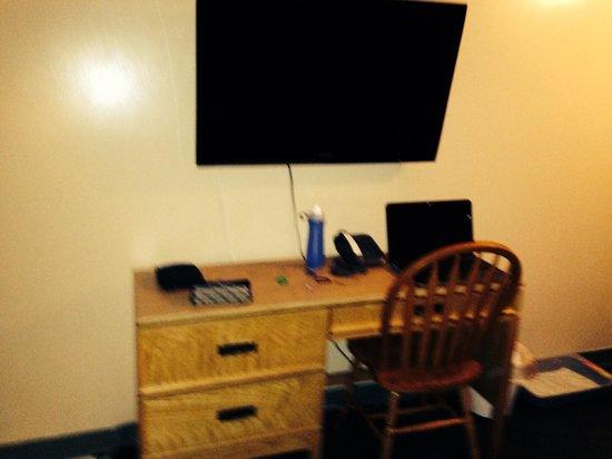 Cedar Inn Motel: Tv