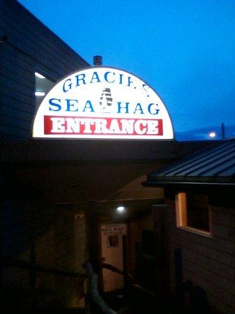 Gracie's Sea Hag : Entrance