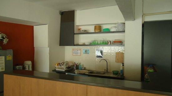 Link Corner Hostel Bangkok: The Kitchen
