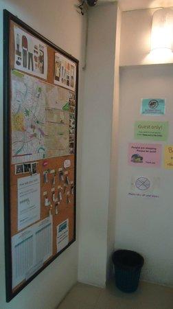 Link Corner Hostel Bangkok: information Board