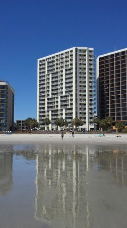 The Breakers Resort: Hotel from the beach