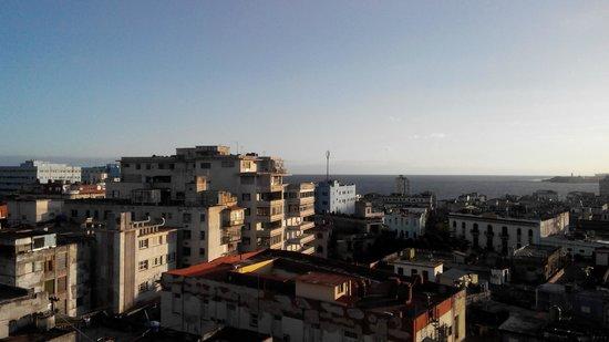 No Limit Hostel Havana: вид из столовой