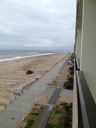 Barclay Towers Resort Hotel: Our view south toward Rudee Inlet