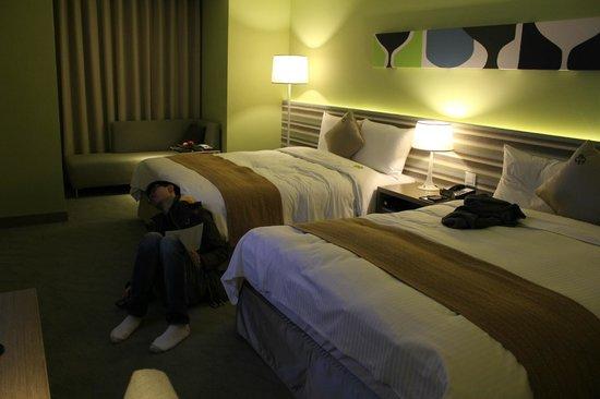 Park City Hotel-Luzhou Taipei : Family Room Beds