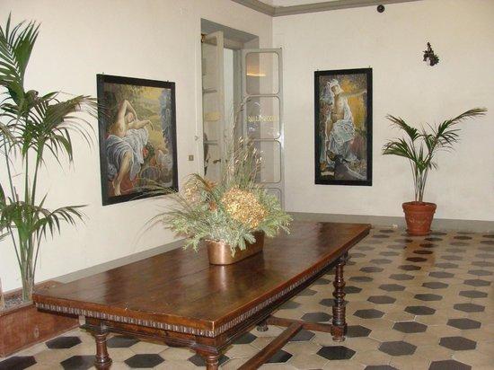 Hotel Annalena: Androne 1° piano
