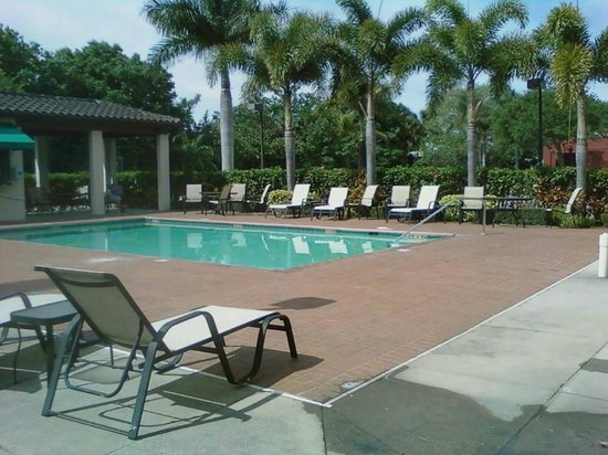 Quality Inn: Pool Area