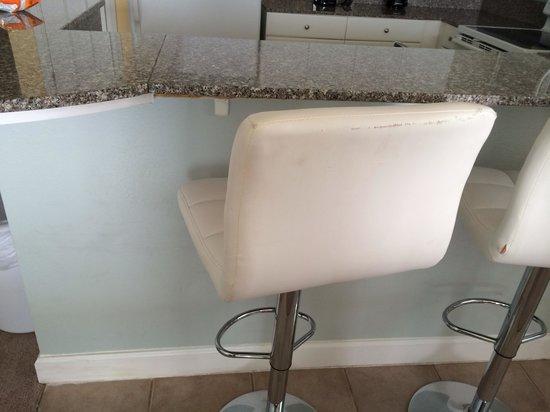 Shores of Panama Resort: Unit 1231 ripped up bar stools!!