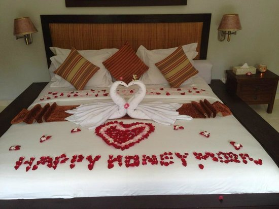 4S Villas at Seminyak Square: Our Honeymoon Bed