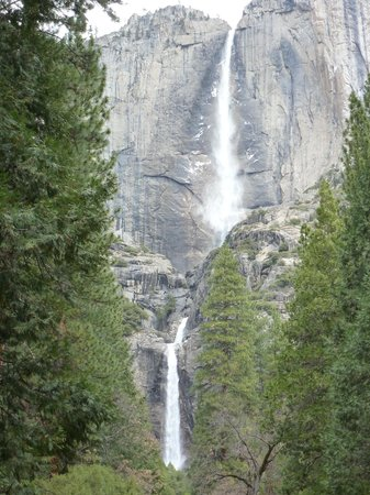 Extranomical Tours: Yosemite waterfall