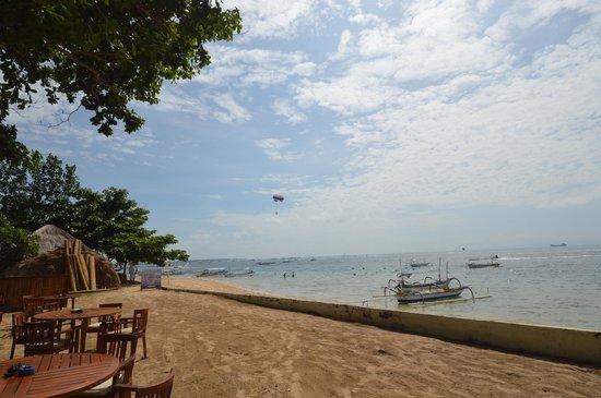 Novotel Bali Benoa : Novotel beach front view from restaurant/bar