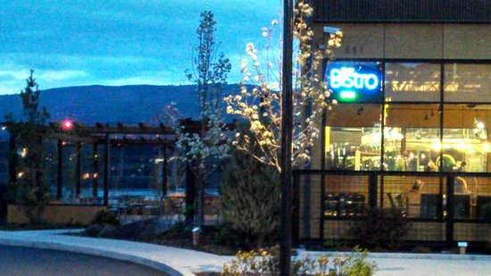 The Bistro at Water's Edge: exterior