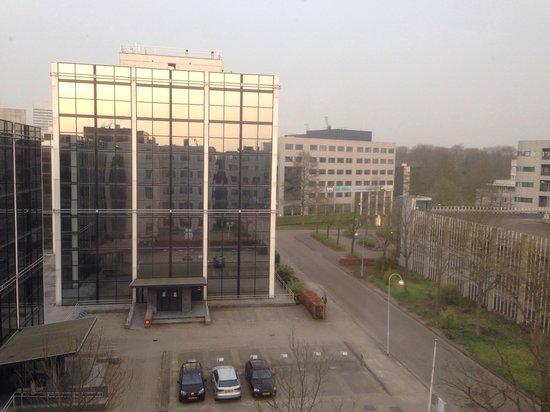 "Holiday Inn Express Amsterdam-Schiphol: el ""paisaje"" desde el 4 to piso"
