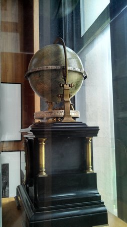 Maryhill Museum of Art: globe clock
