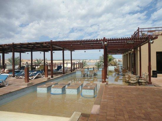 Marina Lodge at Port Ghalib : Bij de bar en zwembad