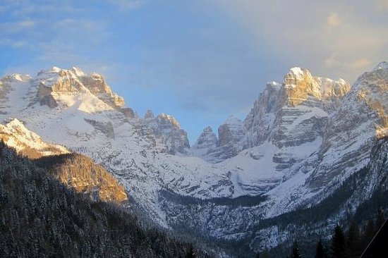 Hotel Lorenzetti: View from the hotel bar of the Brenta Dolomites
