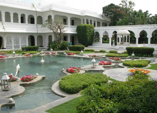 Taj Lake Palace Udaipur: lotus pool